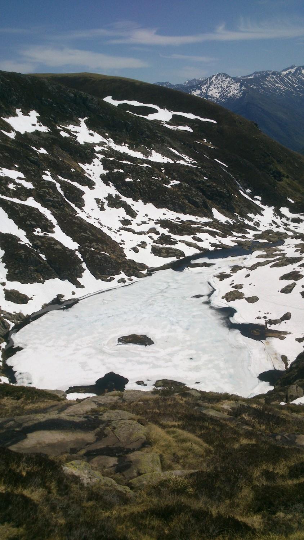 l'étang encore glacé (plus pour bien longtemps)