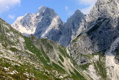 Col Čez Brežice - côté vallée Bala (Jalovec au fond)
