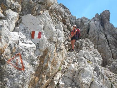 J2: Passage câblé et signalisation dans la montée au Furc. Nives