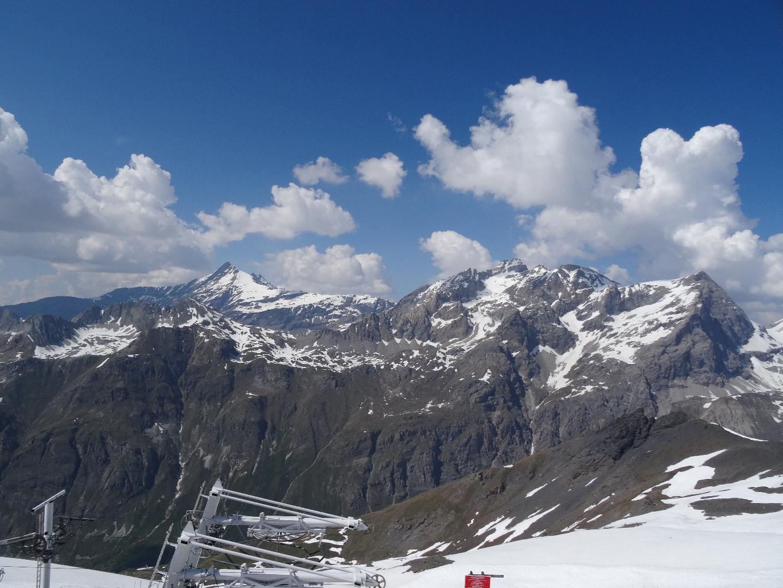 à 2900m d'altitude au sommet des téléskis du Signal, c'est le début de l'arête et des difficultés.