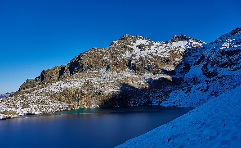 Lac Blanc mi-gelé et versant Sud bien sec...