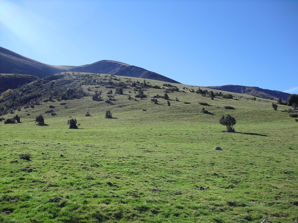 Paumaude et Col de la Célade depuis le plateau à 1360 m