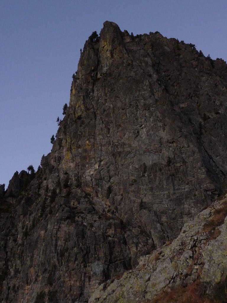le pilier vue du chemin qui descend sous la brèche nord
