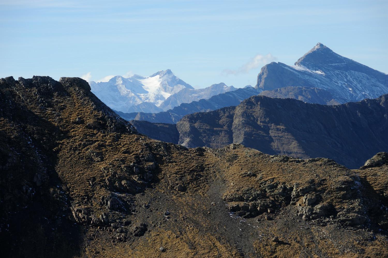 Vignemale et Pic des Aiguillous, depuis les environs du col