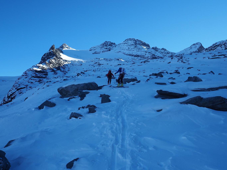 début de la montée au Breithornpass