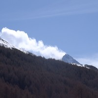 Impressionnant : http://ailes-aimant-air.blogspot.ch/2016/03/la-dent-blanche-en-eruption.html et https://www.youtube.com/watch?v=teZvD-5aAXI