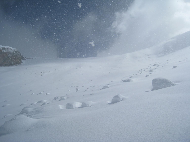 épisode neigeux sous la crête sommitale- Charvin