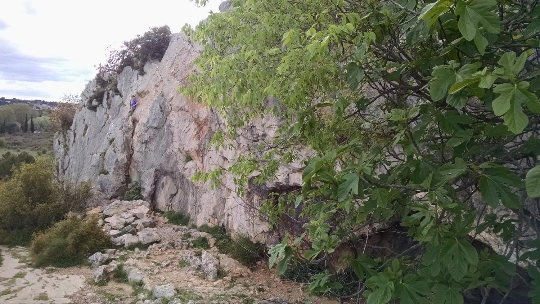 La G du mur, jusqu'a la grotte derrière l'arbre