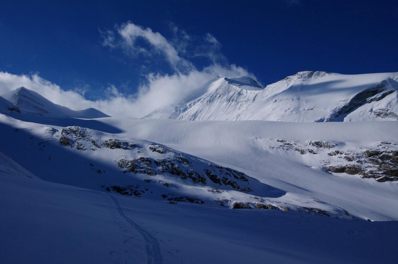 A l'approche du glacier, vue sur les objectifs du jour et du lendemain