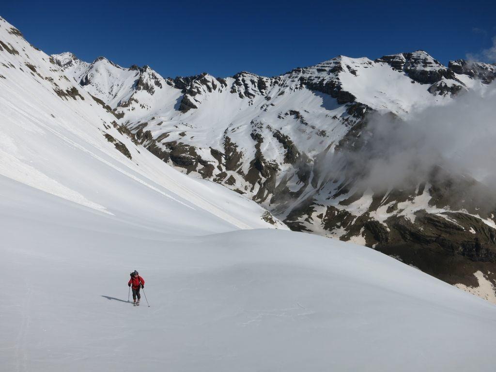 Montée vers la face est de la Montagne de Chapan