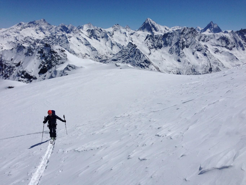 On remet les skis pour les 80 derniers mètres.