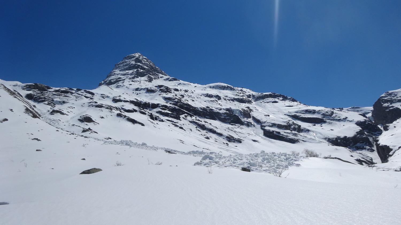 Descente directe; ancienne avalanche de glissement