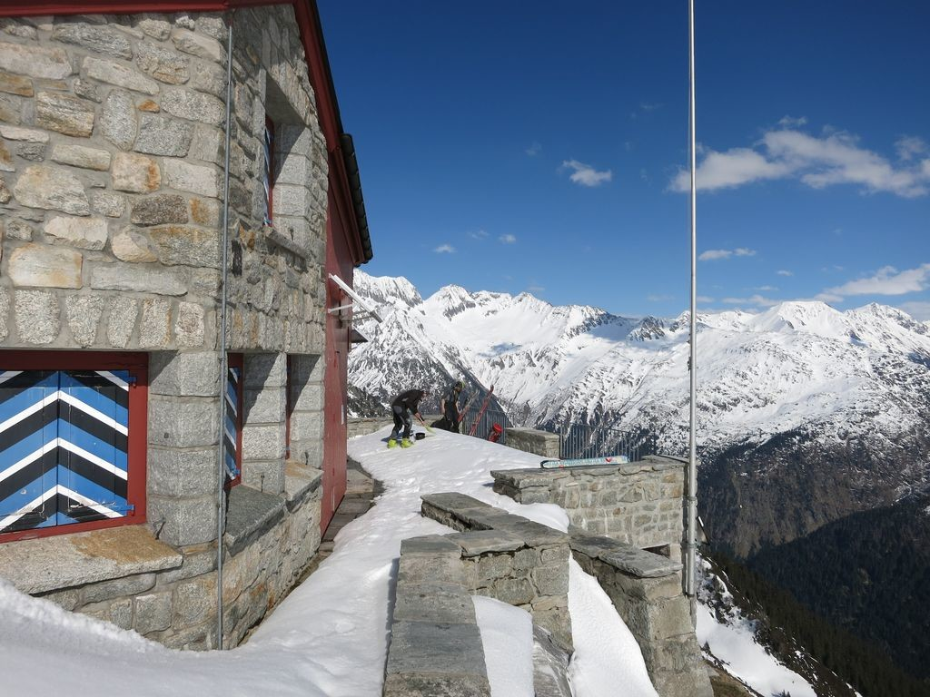 Salbit Hütte (2105 m)