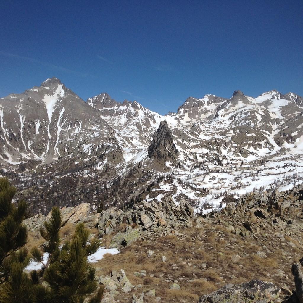 De gauche à droite : Pointe Giegn (2888m),Caire de Préfouns (2835m),Tete des Tablasses (2855m) et Tete Sud des Bresses (2824m)