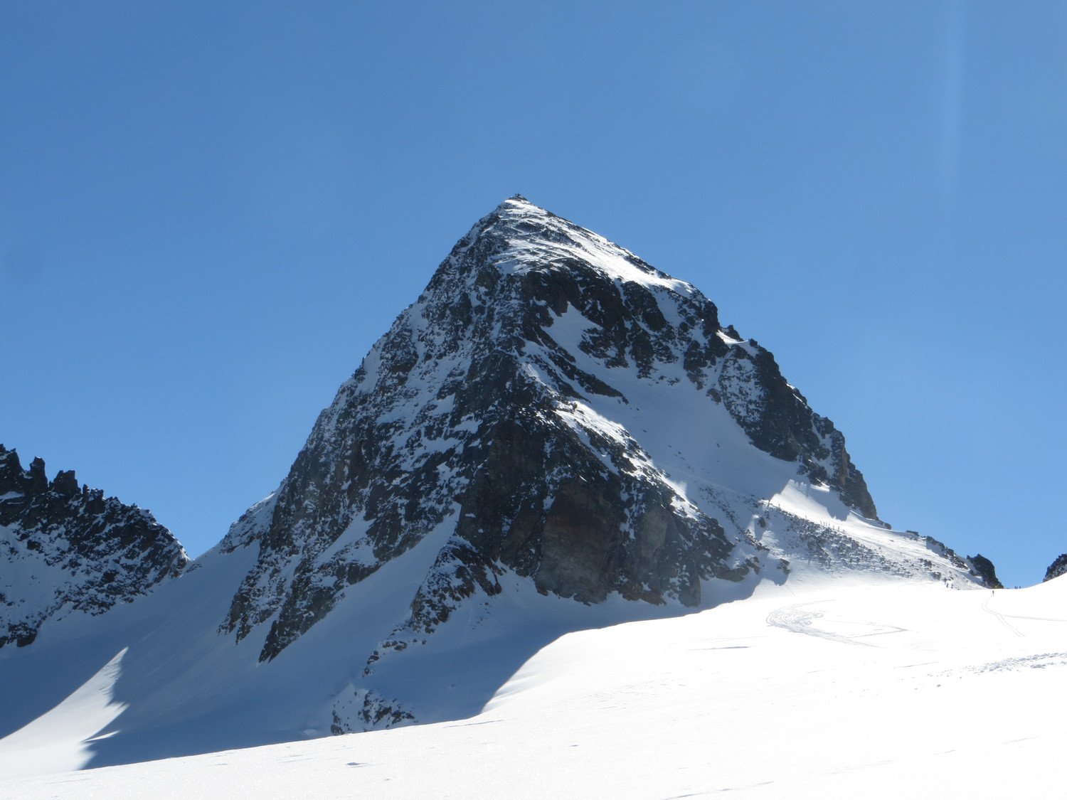 Piz Buin, NW ridge and Fuorcla Buin (right)