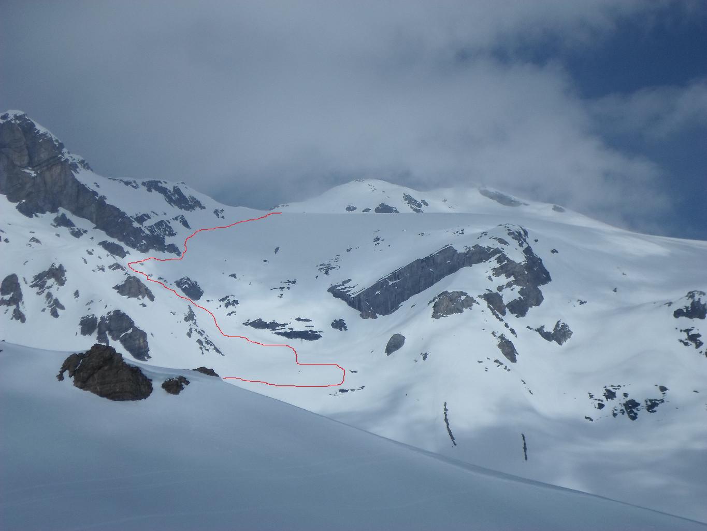 La Conca des Audannes con il tracciato del passaggio chiave sotto il Mont Pucel salendo al Wilhorn visiobile sullo sfondo.