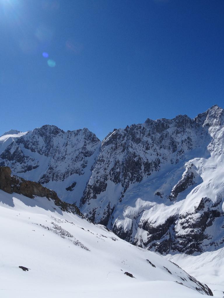 Le couloir skié le matin en montant vers la grande ruine