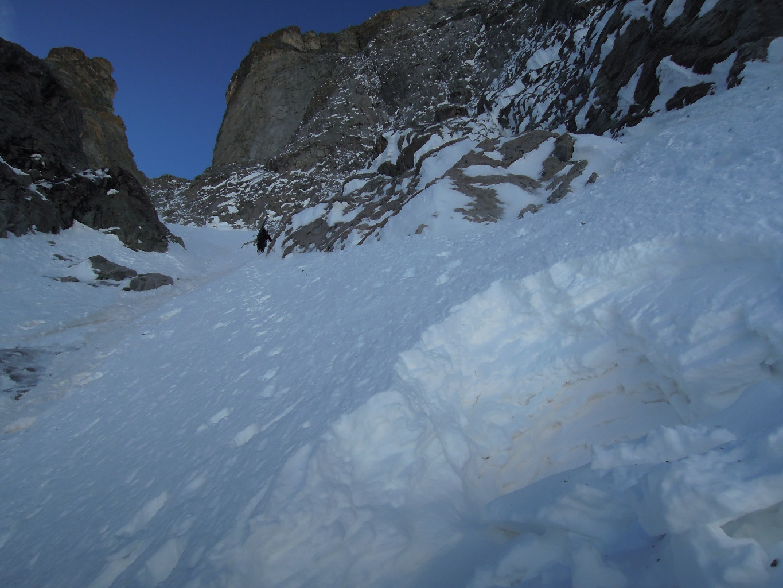 Encore un beau cratère au début du couloir...