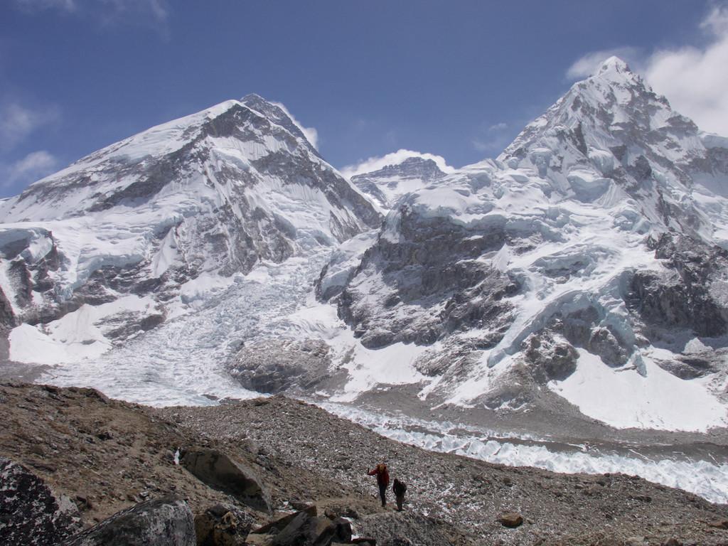 Vue depuis le camp de base du Pumori, une alternative intéressante au Kalapatar. A peu près la même altitude mais une meilleure vue sur le Lhotse