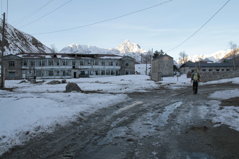 Marche d'apporche matinale, village Arsha