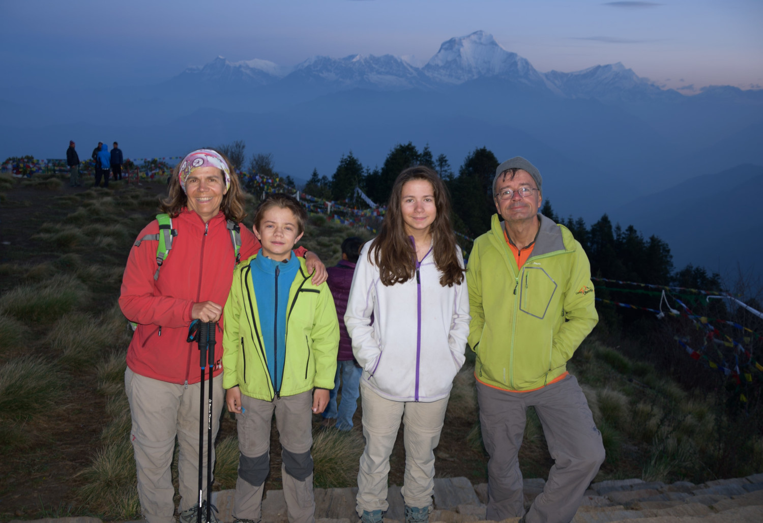Poon Hill (3200m), happy family...