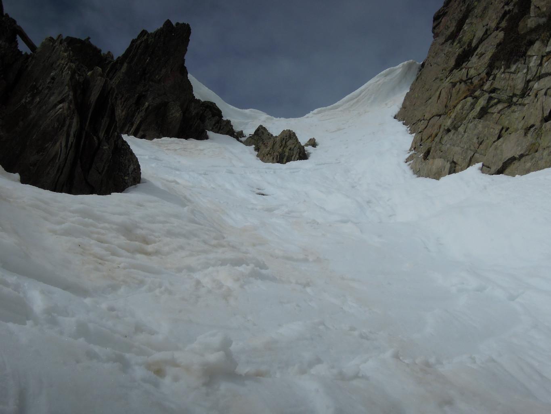 Après l'entrée ardue, ça reste raide mais c'est bien skiant!