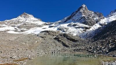 Bec de Montchair et le lac au pied