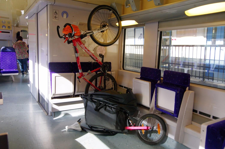 [photo inutile] - il n'y a personne dans ce train de retour