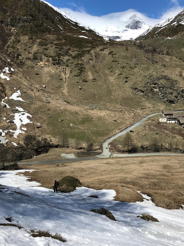 on skie (presque) jusqu'à la voiture !