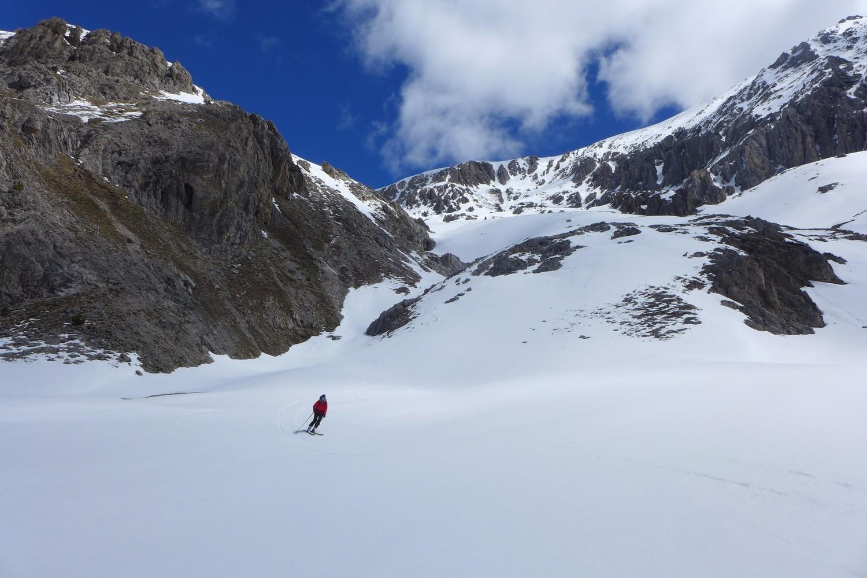 Très bon ski dans le thalweg sous le col du Chaberton.