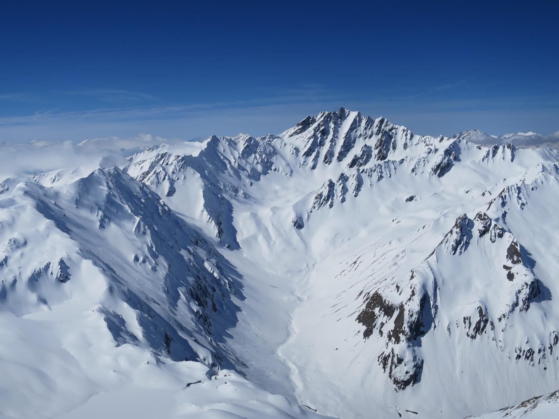 Bel enneigement dans le Val Ferret.