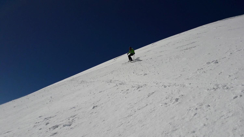 Arnaud dans la descente NE du Cheval Blanc
