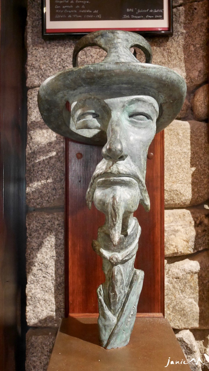 Un buste de Russel à l'hospital de Benasque (Juan Cuevas)