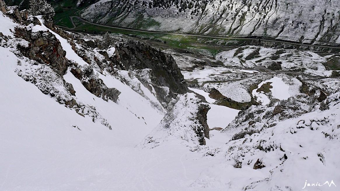 Au-dessus du rocher isolé