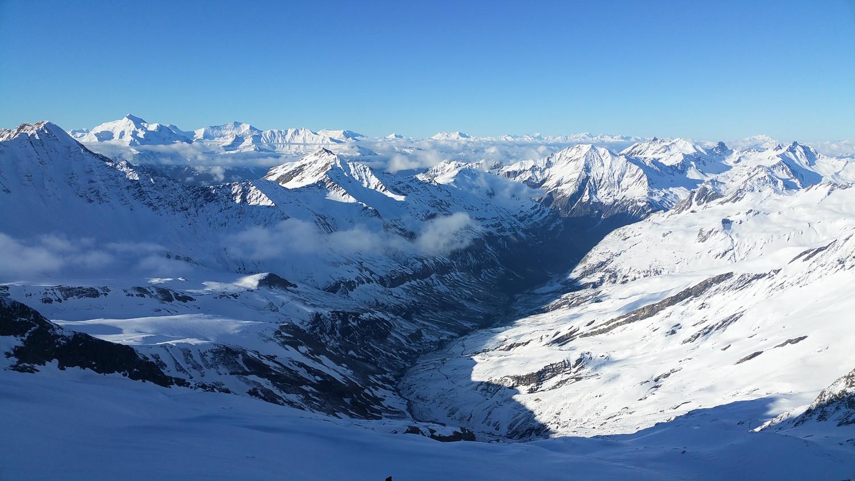 Vallée des Glacier vue du glacier des Glaciers