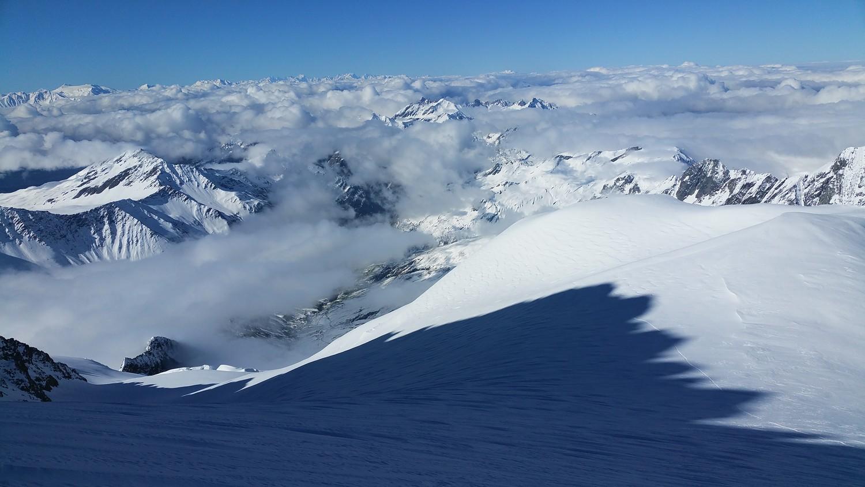 Ombres des Aiguilles des Glaciers sur le glacier
