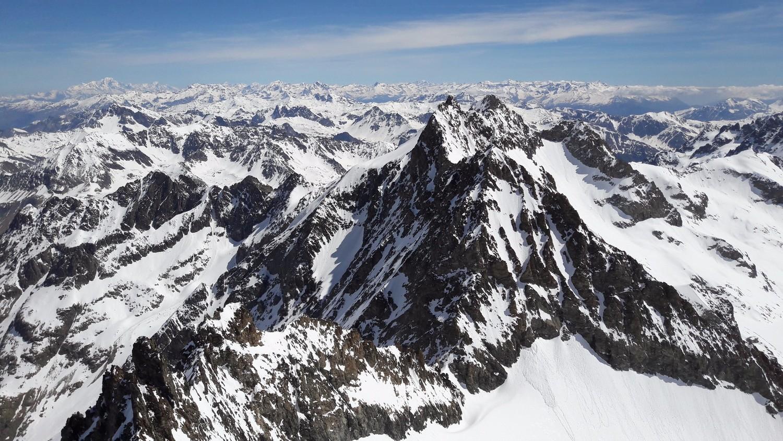 Panorama vers l'E - NE